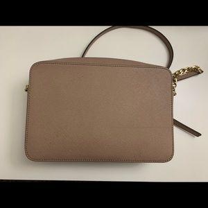 Michael Kors Bags - Beautiful pink purse